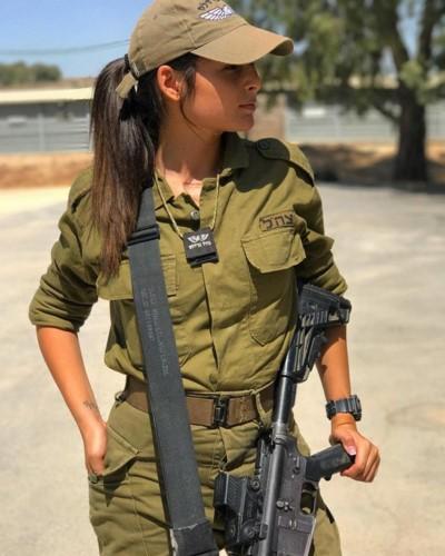 Ve dep goi cam cua cac nu quan nhan Israel-Hinh-3