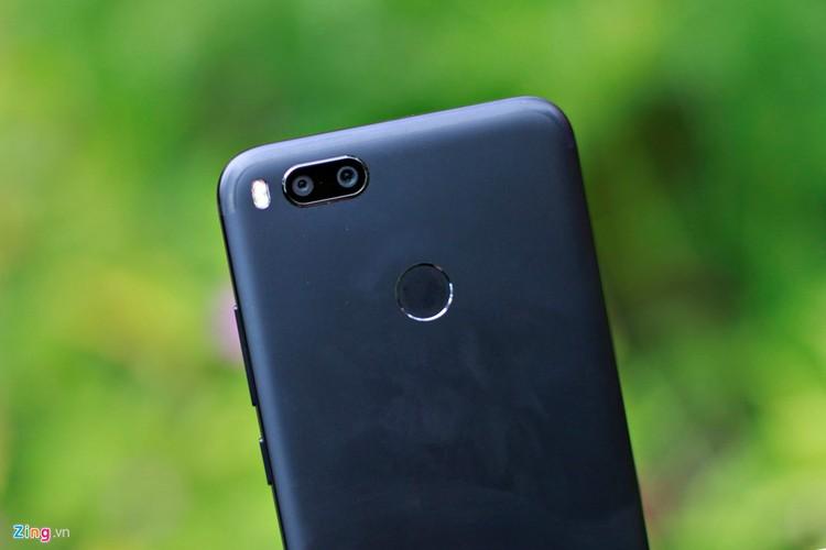 Anh smartphone gia 6 trieu chup xoa phong nhu iPhone 7 Plus-Hinh-3