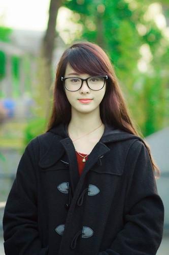 Co gai Hai Phong xinh dep gay sot chi sau mot buc anh-Hinh-2