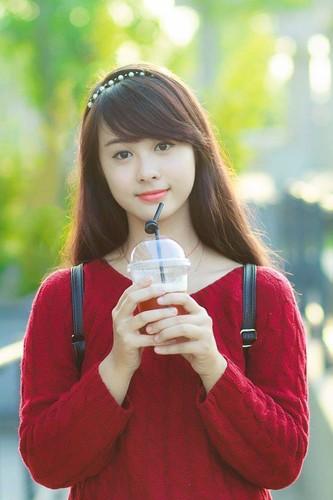 Co gai Hai Phong xinh dep gay sot chi sau mot buc anh-Hinh-3