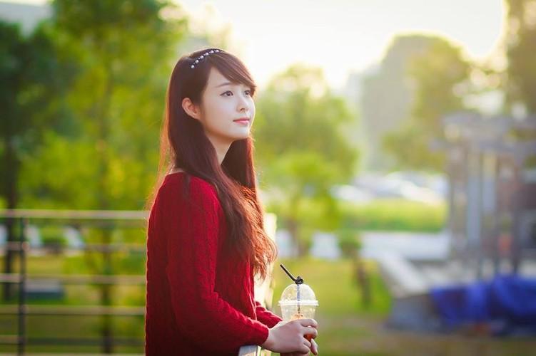 Co gai Hai Phong xinh dep gay sot chi sau mot buc anh-Hinh-4
