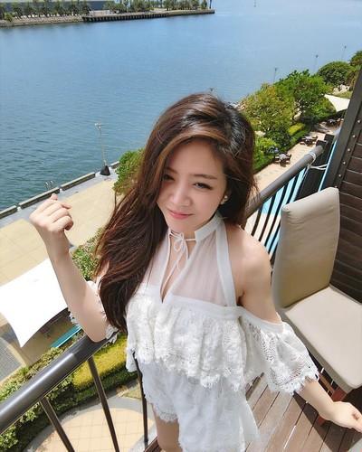 Nhan sac khong thua hot girl cua em gai Ong Cao Thang-Hinh-3