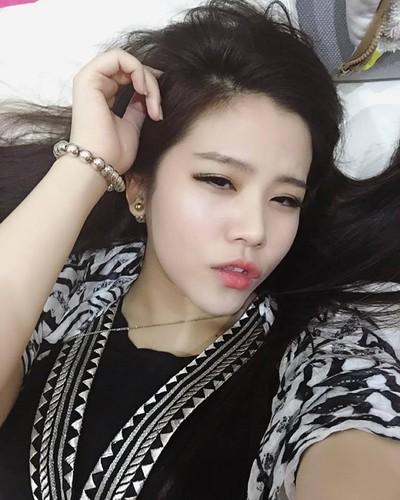 Nhan sac khong thua hot girl cua em gai Ong Cao Thang-Hinh-6