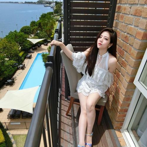Nhan sac khong thua hot girl cua em gai Ong Cao Thang-Hinh-9