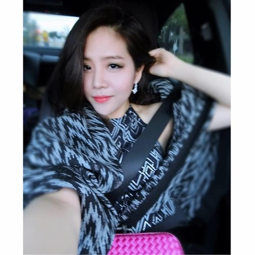 Nhan sac khong thua hot girl cua em gai Ong Cao Thang