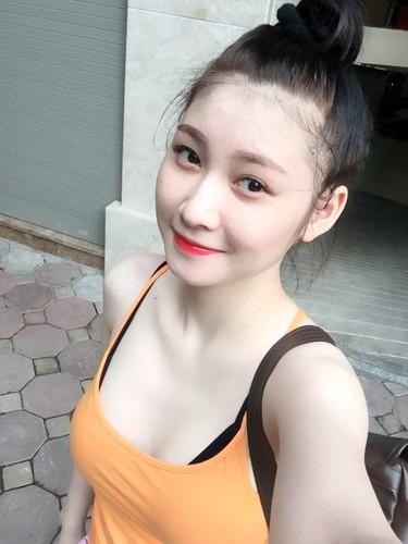Hot girl phong gym goi cam co ten goi sieu la tai-Hinh-3