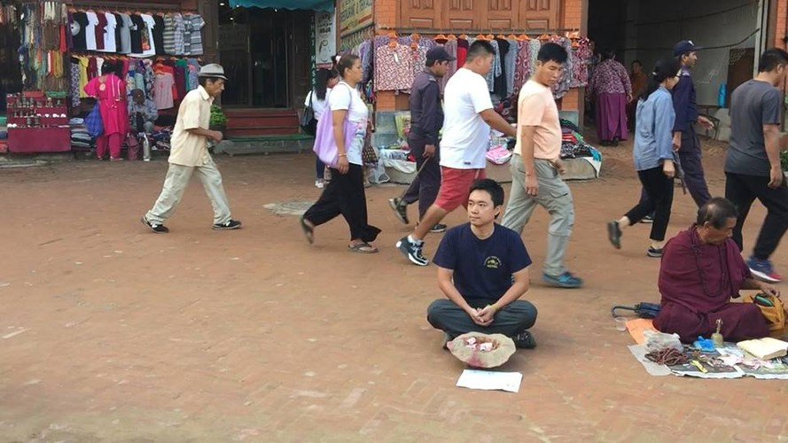 Gap 8X Viet gia an xin o Nepal bat ngo vi cai ket-Hinh-2