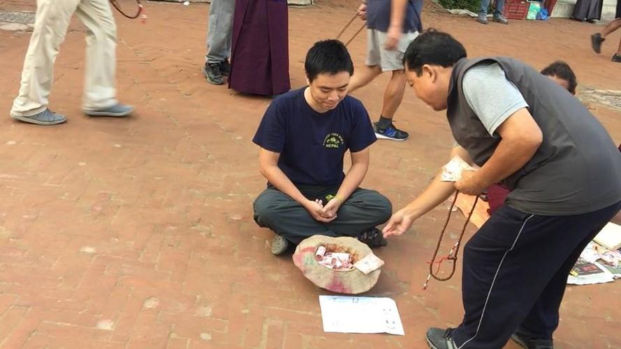 Gap 8X Viet gia an xin o Nepal bat ngo vi cai ket-Hinh-4