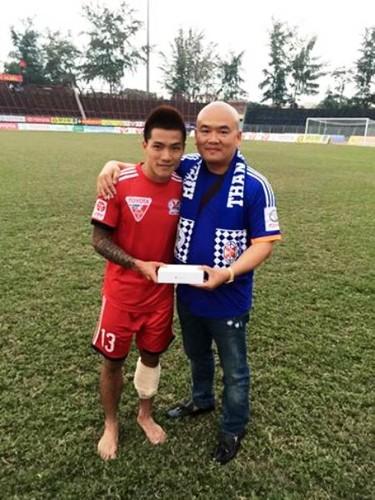 Nguoi hung AFF Cup cua Viet Nam bat ngo giai nghe-Hinh-10