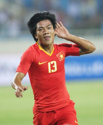 Nguoi hung AFF Cup cua Viet Nam bat ngo giai nghe-Hinh-3