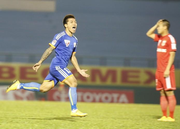 Nguoi hung AFF Cup cua Viet Nam bat ngo giai nghe-Hinh-9