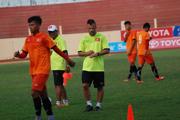 "Chan dung ""nguoi thoi suc"" cho DT Viet Nam truoc AFF Cup-Hinh-4"