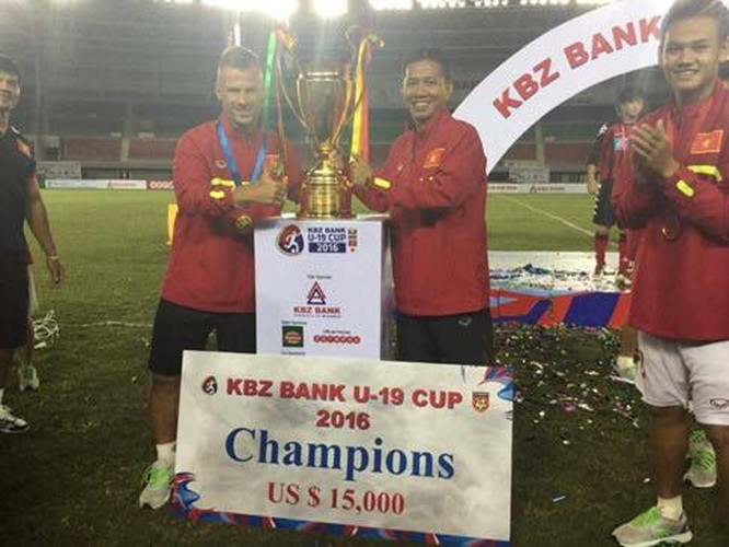 "Chan dung ""nguoi thoi suc"" cho DT Viet Nam truoc AFF Cup-Hinh-5"