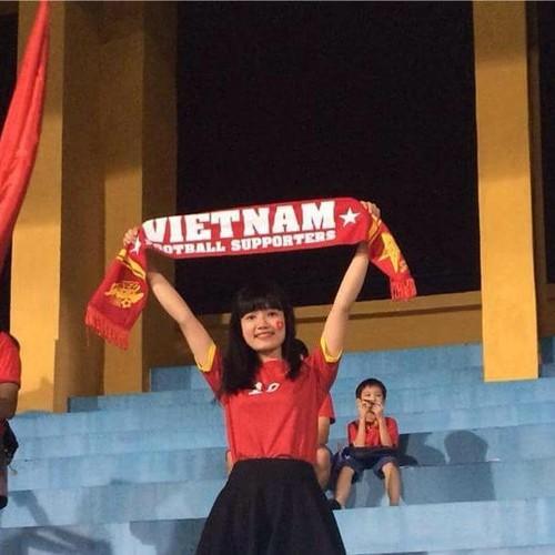 """Co gai xu Nghe khien """"chang lun"""" U19 Viet Nam sieu long-Hinh-2"""