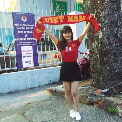 """Co gai xu Nghe khien """"chang lun"""" U19 Viet Nam sieu long-Hinh-5"""