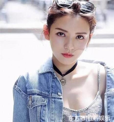 """Hot girl 9X bi goi la """"ke dao mo"""" so mot TQ-Hinh-6"""