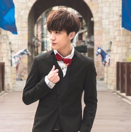 Nhan sac hot boy nam lun,