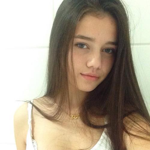 """Hot girl 15 tuoi """"day thi thanh cong"""" khien dan mang tram tro-Hinh-4"""