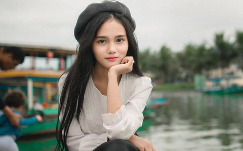 Danh tinh co gai Viet duoc dan mang Han Quoc ngoi khen