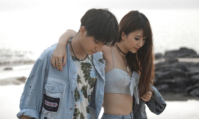 "Hot girl Quynh Anh Shyn gay soc khi tao dang trong ""ao quan""-Hinh-4"