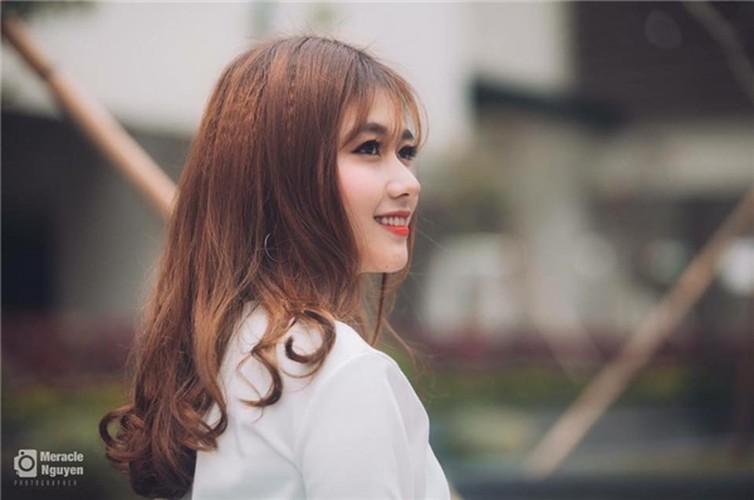 Hot girl DH Xay dung lai gay bao voi buc anh la-Hinh-3