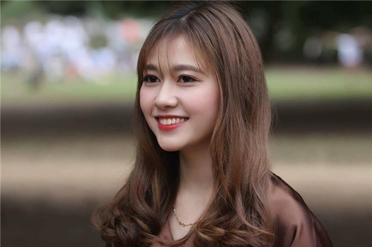 Hot girl DH Xay dung lai gay bao voi buc anh la-Hinh-6