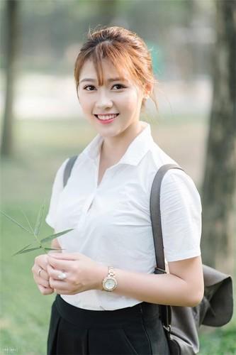 Hot girl DH Xay dung lai gay bao voi buc anh la-Hinh-9