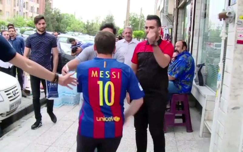 """Ban sao cua Lionel Messi"" bi bat vi ly do khong tuong-Hinh-6"