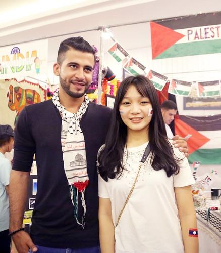 """Chang trai Palestine khien dan mang """"ban loan"""" la ai?-Hinh-2"""