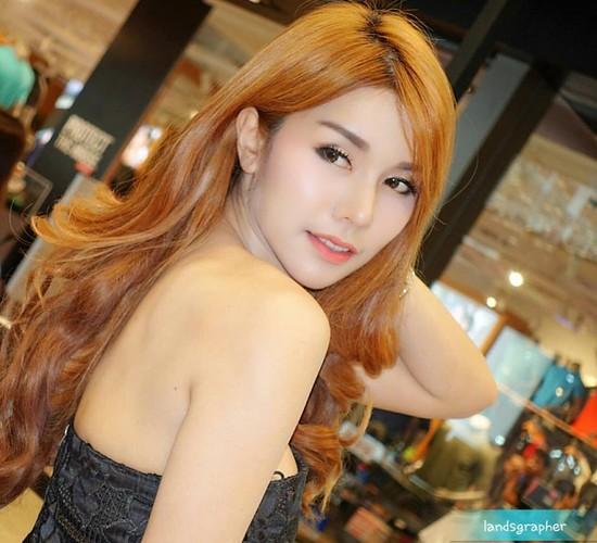 "Hot girl ban do an vat ""len doi"" sau khi noi tieng-Hinh-4"