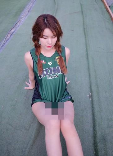 "Hot girl ban do an vat ""len doi"" sau khi noi tieng-Hinh-5"