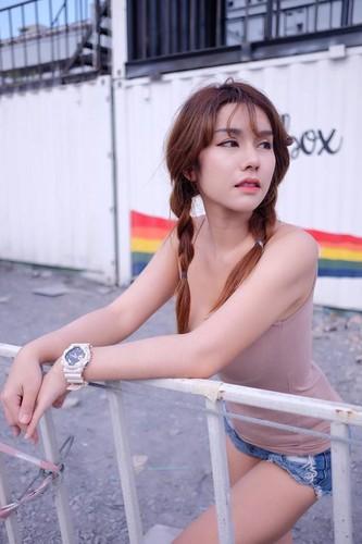 "Hot girl ban do an vat ""len doi"" sau khi noi tieng-Hinh-6"