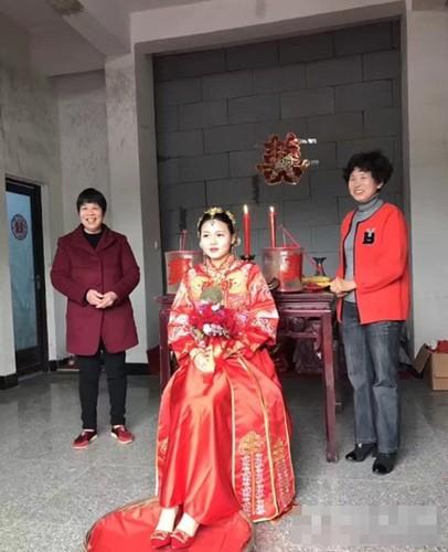 Bo tang ca trung tam thuong mai lam hoi mon cho con gai-Hinh-5