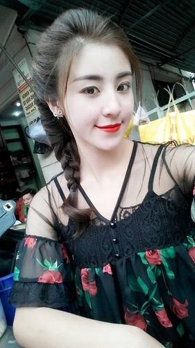 Hot girl banh trang tron bat ngo xuat hien tren bao Han-Hinh-10