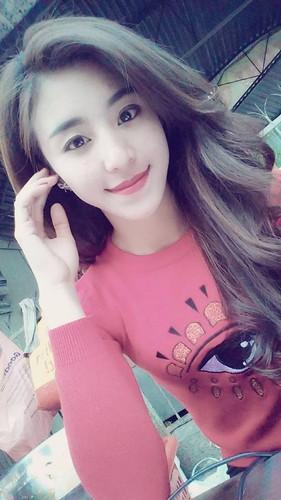 Hot girl banh trang tron bat ngo xuat hien tren bao Han-Hinh-7
