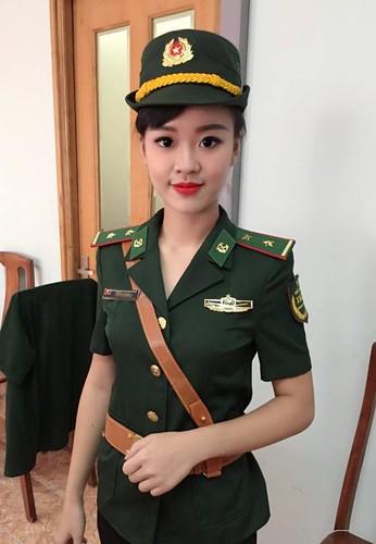 Ve dep hut hon cua nu sinh DH Phong chay chua chay-Hinh-3