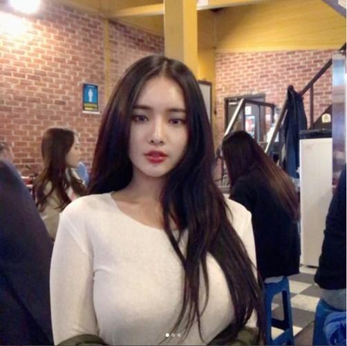 "Hot girl vong mot sieu khung khien bao nguoi ""mat ngu""-Hinh-3"