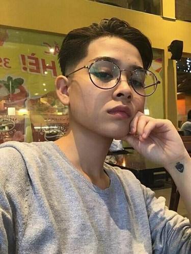 Dien vien 9X Sai thanh gay bat ngo bang khuon mat dien trai-Hinh-6