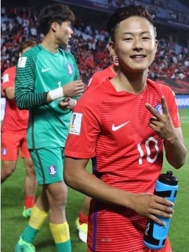 Cau thu Viet lot vao doi hinh dep trai nhat U20 World Cup-Hinh-5