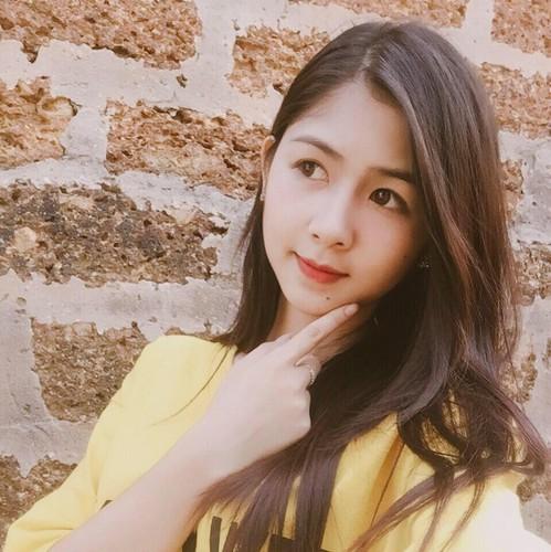 Hot girl chan khoeo Hai Duong khoe anh ao dai trang tinh khoi-Hinh-4