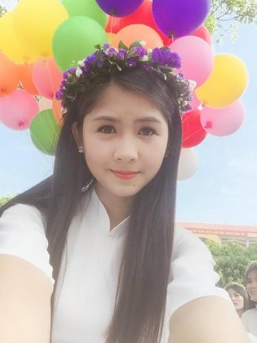 Hot girl chan khoeo Hai Duong khoe anh ao dai trang tinh khoi-Hinh-5