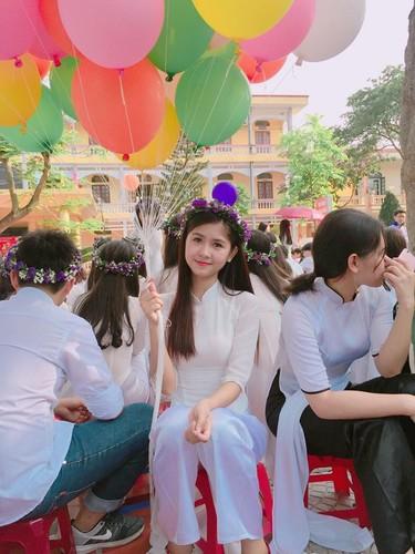 Hot girl chan khoeo Hai Duong khoe anh ao dai trang tinh khoi-Hinh-7