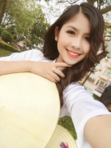Hot girl chan khoeo Hai Duong khoe anh ao dai trang tinh khoi-Hinh-9