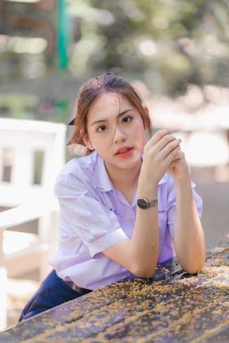 Chan dung hot girl Thai Lan mac dong phuc cung xinh ngay ngat-Hinh-6