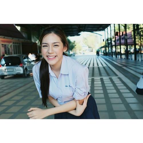 Chan dung hot girl Thai Lan mac dong phuc cung xinh ngay ngat-Hinh-9