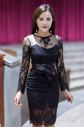 """Co gai Quang Ninh 19 tuoi dep """"mon mon"""" cuc noi tieng-Hinh-6"""