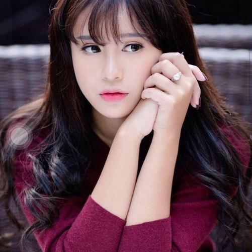 """Co gai Quang Ninh 19 tuoi dep """"mon mon"""" cuc noi tieng"""