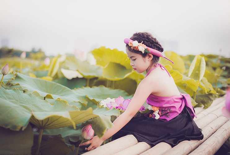 An tuong voi co be 8 tuoi hoa than thanh nang Tam-Hinh-8