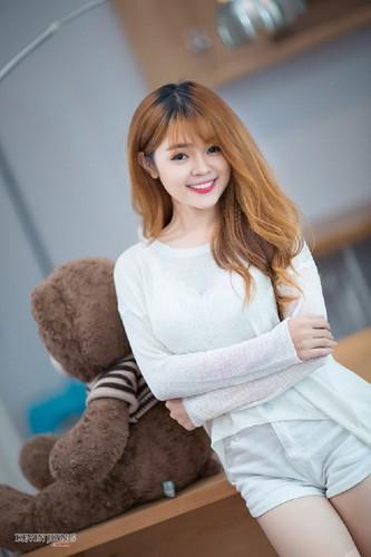Co gai Phu Yen xinh dep khien dan mang me man-Hinh-2