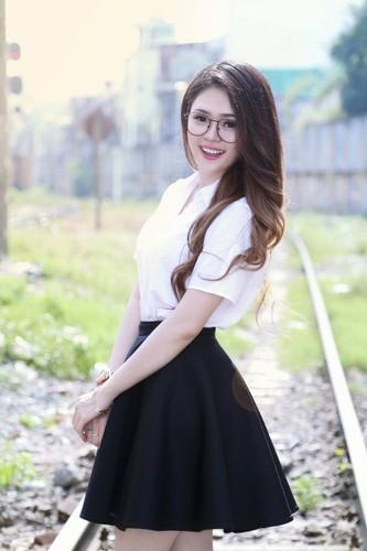 Co gai Phu Yen xinh dep khien dan mang me man-Hinh-9